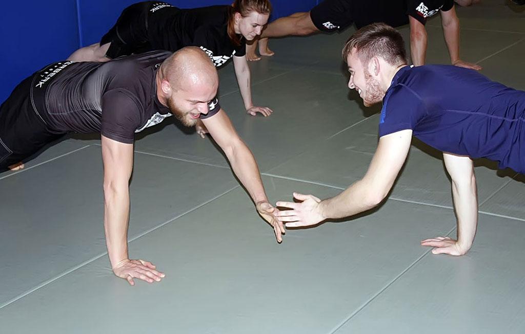 Общая физическая подготовка Крав Мага с Владимиром Кучмой